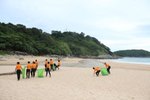 Nai-Harn-Beach-Cleaning-November-2015-7