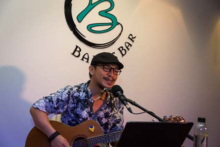 East 88 Beach Lounge restaurant - Live Song